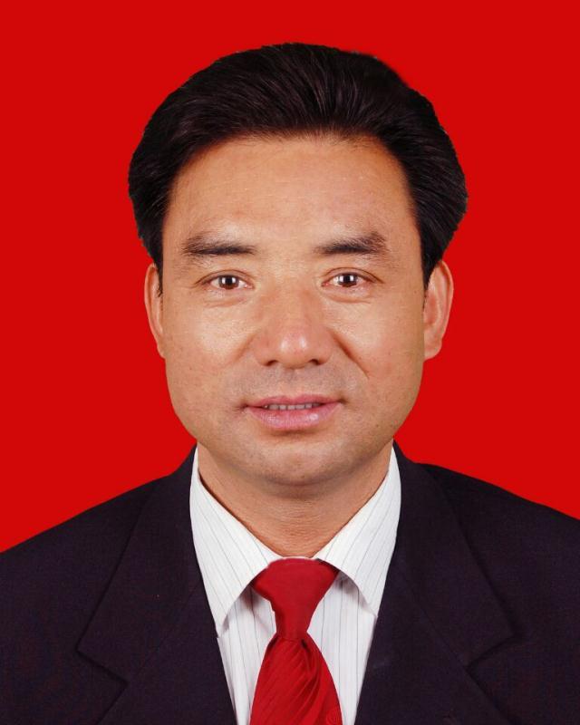 杨铜川1证件照.jpg